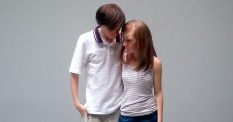 Ron-Mueck-Young-Couple-2013-Fondation-Cartier